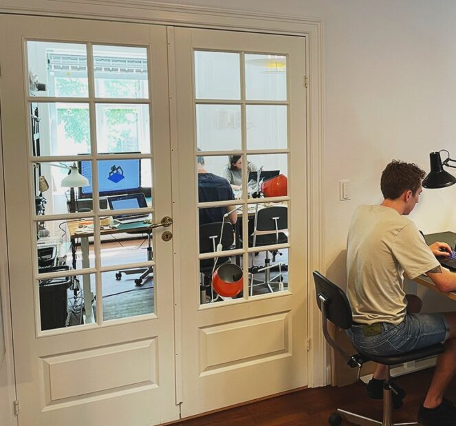 Coworking in makerspace